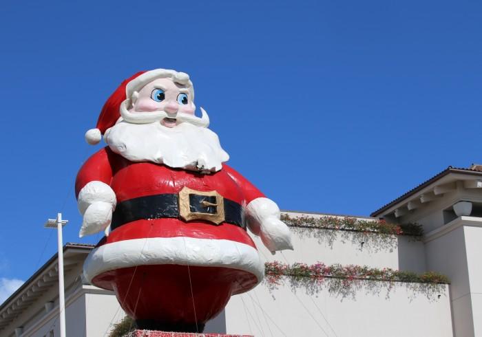 浮き輪のリースも!? ハワイアン・クリスマスの楽しみ方