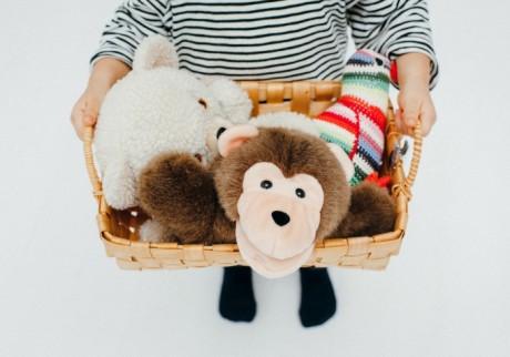 増えるおもちゃや、倒れる絵本もスッキリ! 子ども部屋の収納のコツ