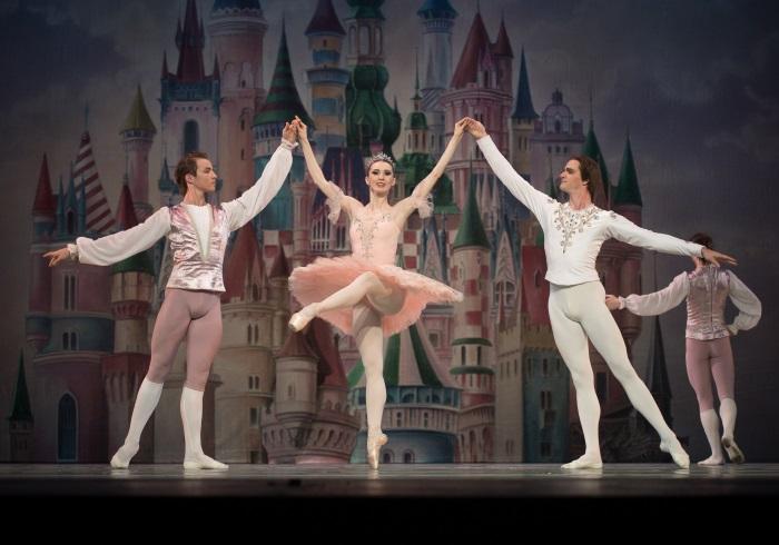 子どもが飽きずに夢中になれる、年末の本格バレエ公演