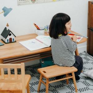 <span>インテリア特集 その3</span> 学習机はまだ早い!? まずは、長く使えるワークテーブルを