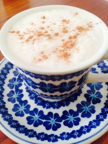 私は、毎日コーヒーに大さじ1杯入れて、ミキサーで撹拌して飲んでいます。