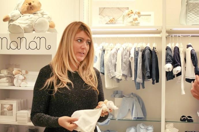 「赤ちゃんが心地よく過ごせる素材にこだわって、商品の縫製も全てイタリアで行っています」とリシアさん。おすすめしてくれたタオルは、ソフトな肌ざわりで敏感な赤ちゃんお肌にも安心です。「素材がやわらかくて、ママの香りが生地に染み込みやすいのも特徴。赤ちゃんの手に持たせて上げると、とても安心するんですよ」とも。