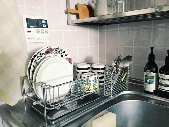 ちなみにわが家では「洗ってから拭くまでが食器洗い」……ではありません。自然乾燥にお任せ。