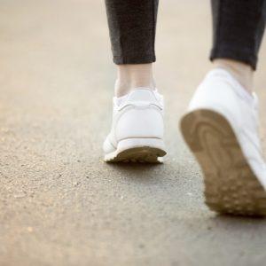 <span>編集部の取材エピソード</span> 100歳まで自分の足で歩くために。ママも考えたい「足育」のこと