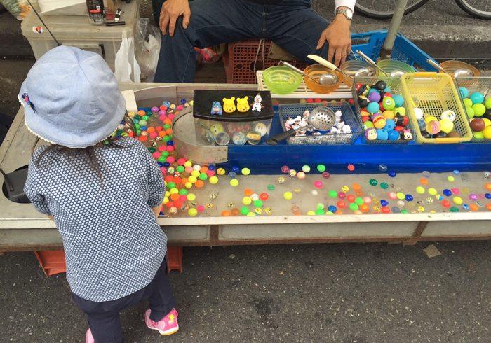 わくわくいっぱいのお祭り、子どもの興味の先は……?