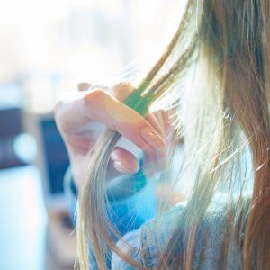 <span>編集部の取材エピソード</span> 髪のエイジングサインに負けない。サロン専売品の使い心地は?