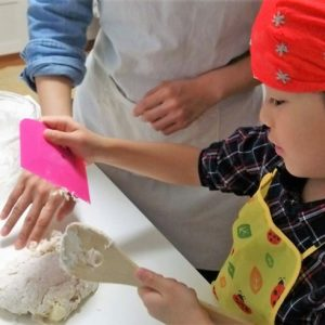 <span>育て! クリエイティビティ!</span> 友達の家での、初めてのパン教室!
