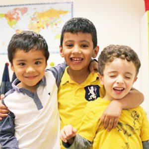 <span>3・4・5 歳向け</span> 働くママでも参加できる、超短期の親子留学プログラム3コース