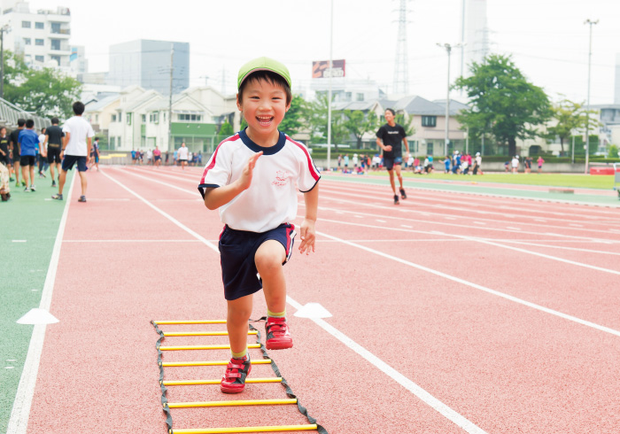 子どもの運動神経を育てるために。すぐに実践できる「動きかた」