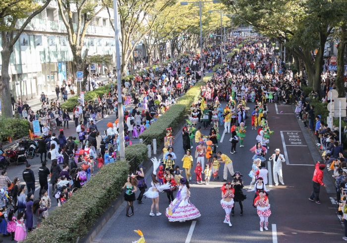 毎年1000人以上が参加する、日本最大級のハロウィーン・パレード