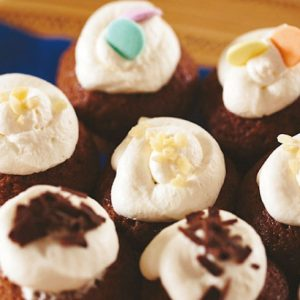 <span>LET'S PARTY COOKING</span> トッピングは子どもにおまかせ。ミニミニカップケーキ【キッズと作るパーティレシピ・11】