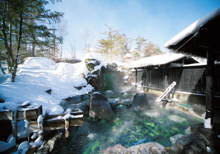 スキー場まで車で1分。草津温泉でゆったり親子ステイ&雪遊び