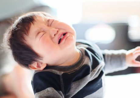 毎朝、登園前にぐずる2歳の息子。イヤイヤ期の対応を教えて!