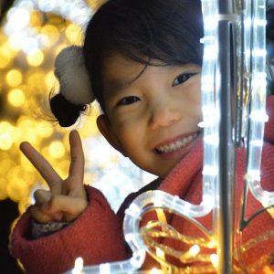 <span>ママだから撮れる、子ども写真</span> イルミネーションできらきら玉ぼけ写真