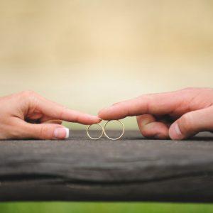 <span>働くママのLOVE & BEAUTY</span> 恋愛の神様に聞く、離婚する夫婦に共通すること【ぐっどうぃる博士インタビュー・後編】