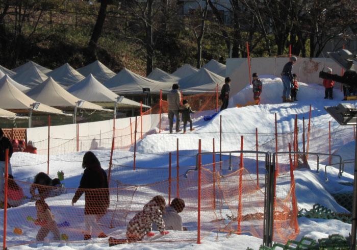 屋外で気持ちいい! 都内近くで雪遊びができる場所