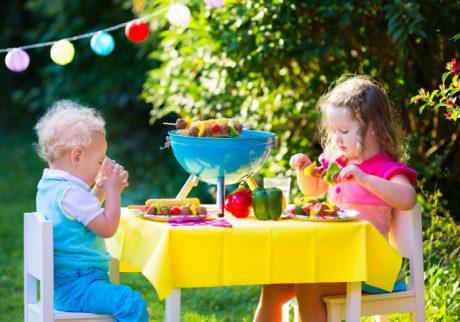 食事中の会話にも注意。子どもの野菜嫌い克服テクニック・5
