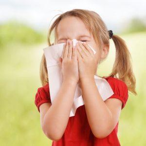 <span>子どもの花粉症・2</span> 耳鼻科の先生に聞いた、子どもの花粉症で注意したいこと