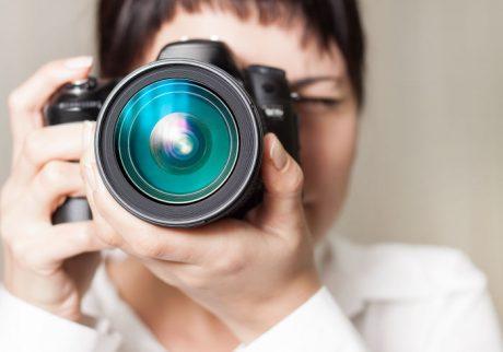 スマホで十分? 一眼レフカメラを持っているママはどのくらいいる?【ママの本音のYES&NO】