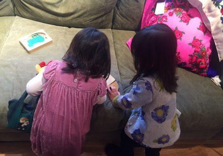 お友達とのおもちゃの取り合い! そのとき親はどうする?