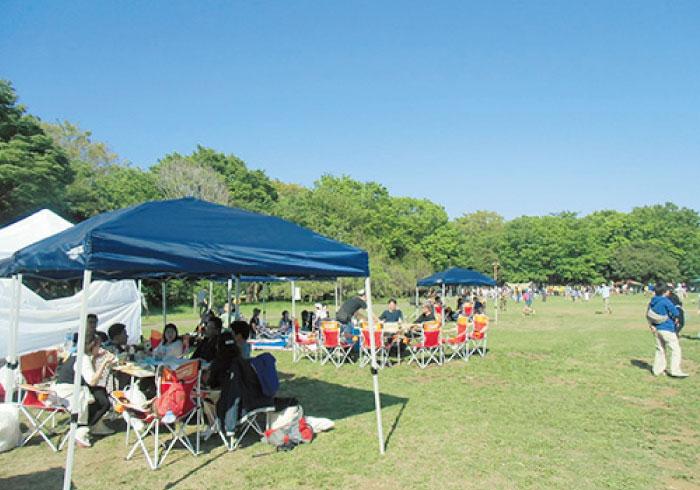 野外ごはんが楽しい季節。親子でBBQができる公園【東京・2】