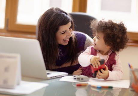 予防接種で半日の休暇も認められる。新しくなった「改正育児・介護休業法」