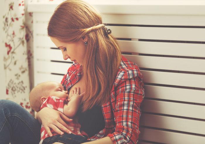 外食先で授乳したいとき、どうしてる?【ママの本音のYES&NO】