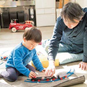 <span>Hanakoパパ</span> ワンコのお散歩や美術館も一緒に楽しむ。ハナコパパの1日に密着!