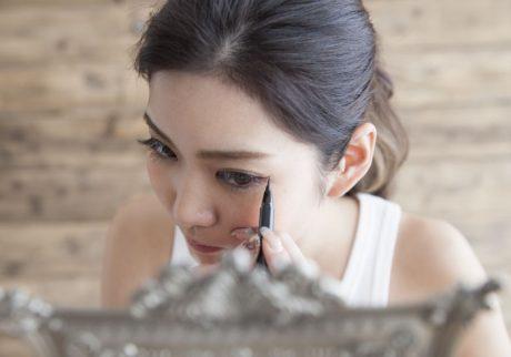 夏の目元に。美容ライターおすすめアイライナー3選