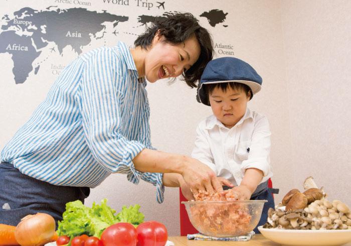 子どもといっしょに料理! 台所育児のススメ