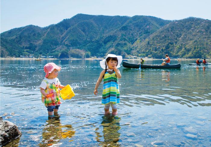 気軽にカヤック体験も。西湖、精進湖畔で親子キャンプ!【湖畔のキャンプ場】