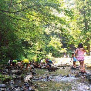<span>水辺のキャンプ特集3</span> 夏でもひんやり、川遊びが楽しい親子キャンプ【東京・神奈川/川辺のキャンプ場】