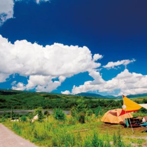 <span>水辺のキャンプ特集7</span> 子どもの心に残る夏の思い出に。スペシャル感のあるキャンプ場