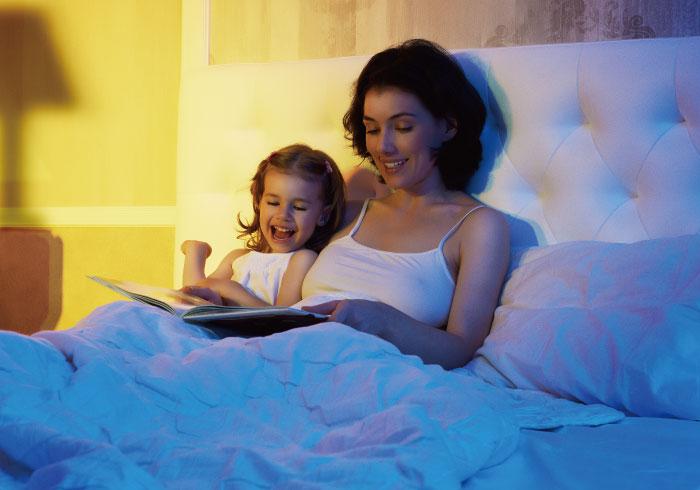 読んだらかえって興奮!? 寝る前の絵本の読み聞かせ、していますか?【ママの本音のYES&NO】