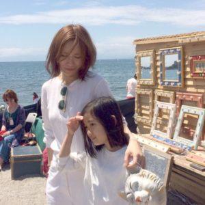 <span>おしゃれママの「数珠つなぎ」連載</span> 娘の服選びは一緒に、妥協せず。ARCHIプレス・谷恵美子さんの子育て