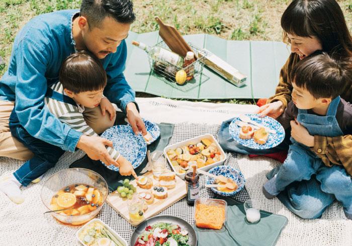 ピクニックは盛り付けにもこだわって。インスタ映えグッドなアイテムリスト【公園ピクニック特集】