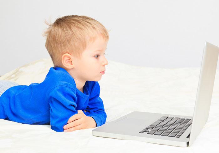 将来IT分野で仕事をしなくても。プログラミング教育が必要とされている理由【細川珠生の子育て政治】