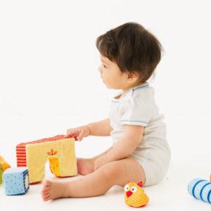 <span>知育玩具特集・2</span> 子どもが夢中になれる! ボーネルンドのおもちゃガイド【0~1歳向け】