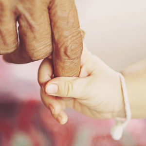 <span>先生おしえて!</span> 世界一の「少子高齢化」の国で、子どもたちをどう育てるか【細川珠生の子育て政治】