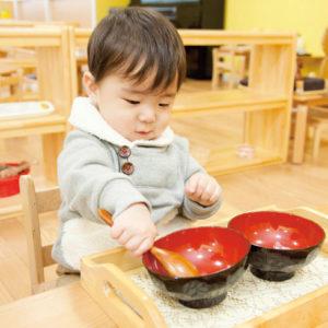 <span>習いごと特集・5</span> 藤井聡太新六段も学んだ「モンテッソーリ教育」。週末に通えるコースをご紹介!