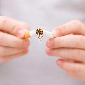 <span>先生おしえて!</span> 日本は最低ランク!? 屋内禁煙の条例【細川珠生の子育て政治】