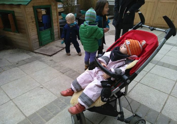 なるほど、便利で合理的!なドイツの子どもの防寒着