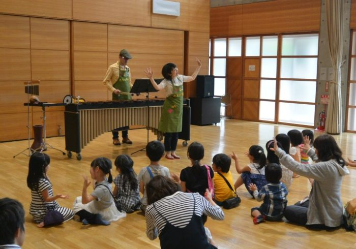 歌とマリンバでお話の世界へ。親子コンサート「コトコトさんのドレミ図書館」