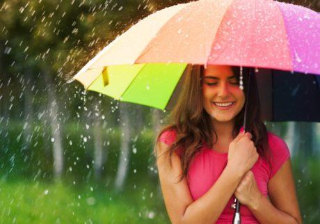 梅雨に負けない! 化粧くずれを防いでさわやか肌をキープする、不快対策アイテム3つ