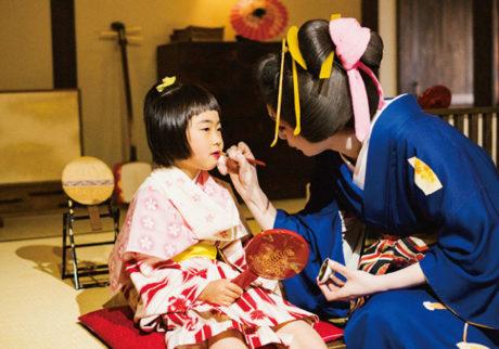 「紅」や三味線の体験も。江戸ワンダーランド日光江戸村で夏を満喫!