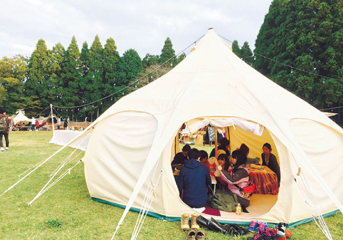 空いた時間でたっぷり遊べる、設営・撤収いらずの「てぶらテント泊」