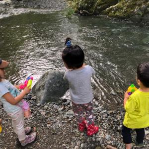 """<span>バタ子ママの""""コーチング子育て""""</span> 川遊びで「お魚触るのイヤ」……子どもの本音、実はこんなところに!"""