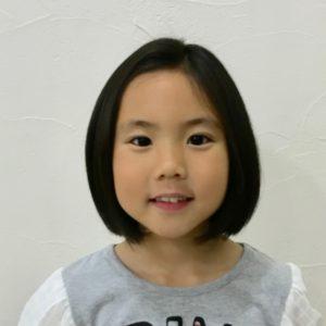 <span>子どものヘアスタイル</span> 写真で覚えて。スキバサミで軽く仕上げる、ボブスタイル【保存版・女の子のヘアスタイル】