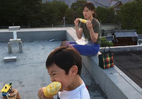働いている姿を子どもに見せたり、話をすることを大切に。「ソニアコーヒ喫茶店」有瀬万里子さんの子育て