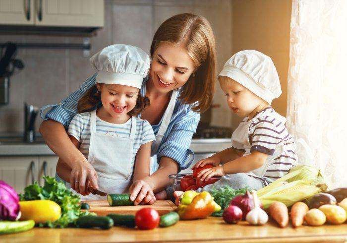 ニンジンのみじん切りは逆効果!? 子どもが苦手野菜を食べられるようになる「ベジトレ法」